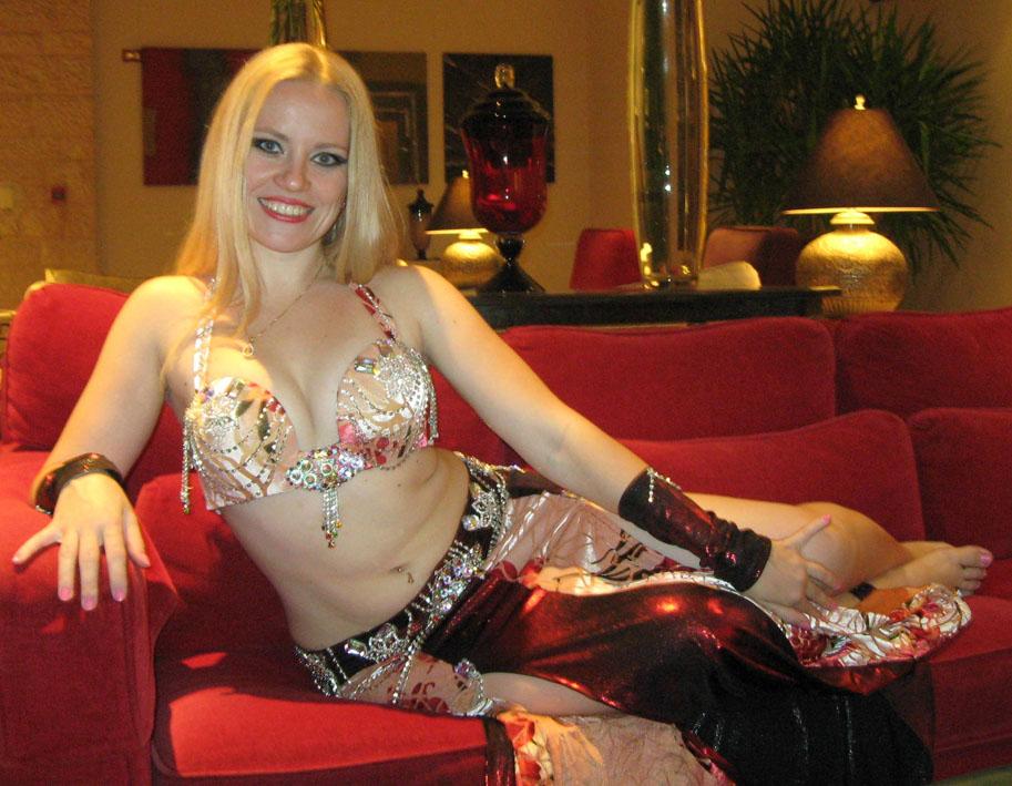 Школа танцев Центр танца и фитнеса Виктории Харитоновой